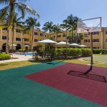 Hawthorn Suites by Wyndham Naples Rec Courts